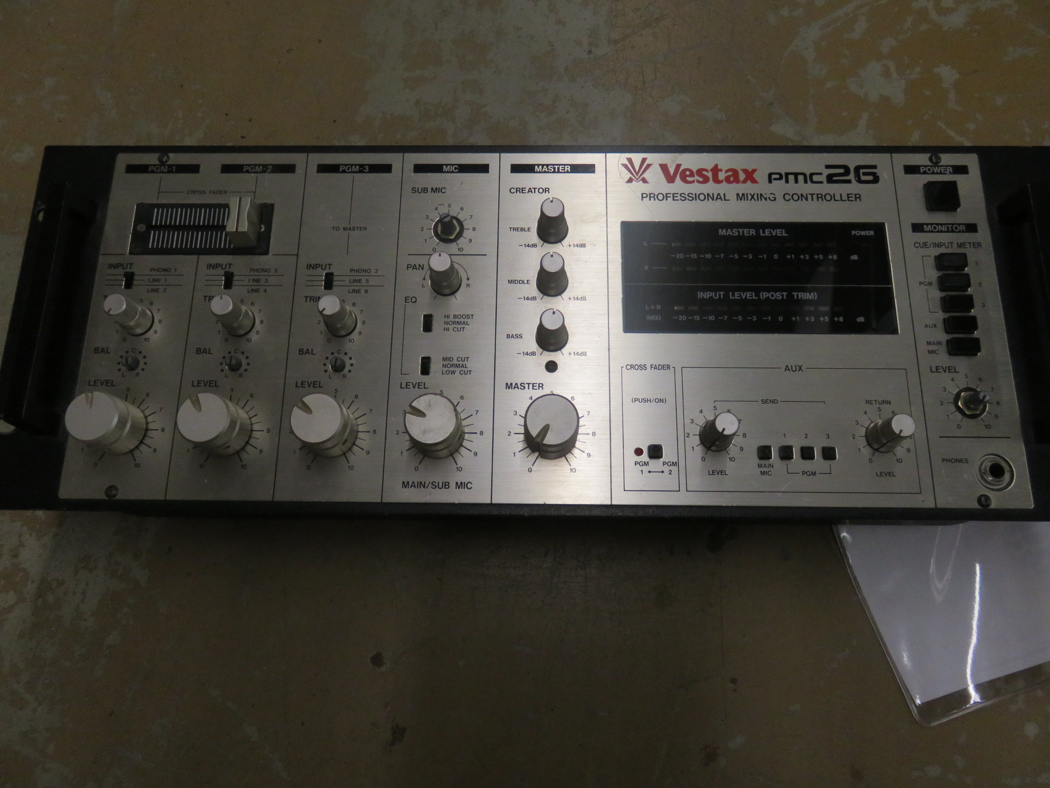 Vestax - PMC26 Pro Mixing Console