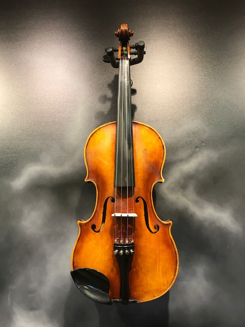 William Lewis & Sons - Model 5234 4/4 German Violin Outfit