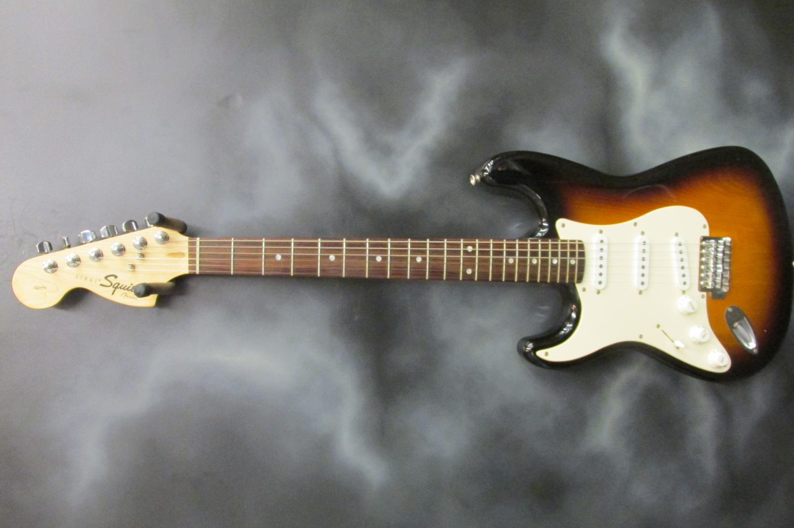 Squier - Lefty Affinity Strat