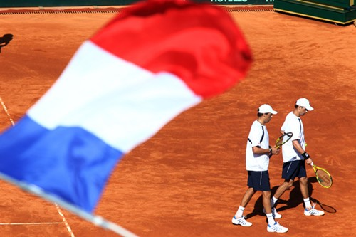 DavisCup_US_France_Day2_Bryans_walk