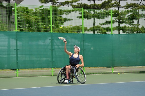 Kate Stuteville serves in her first day in Korea
