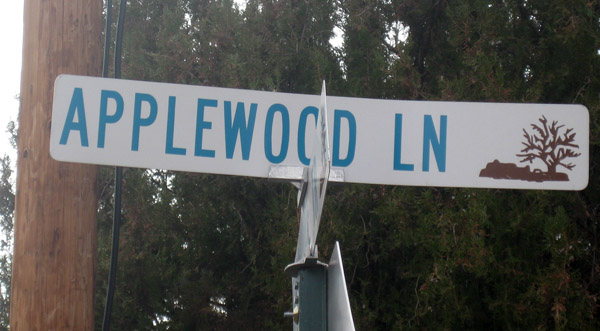 Applewood_Lane_sign