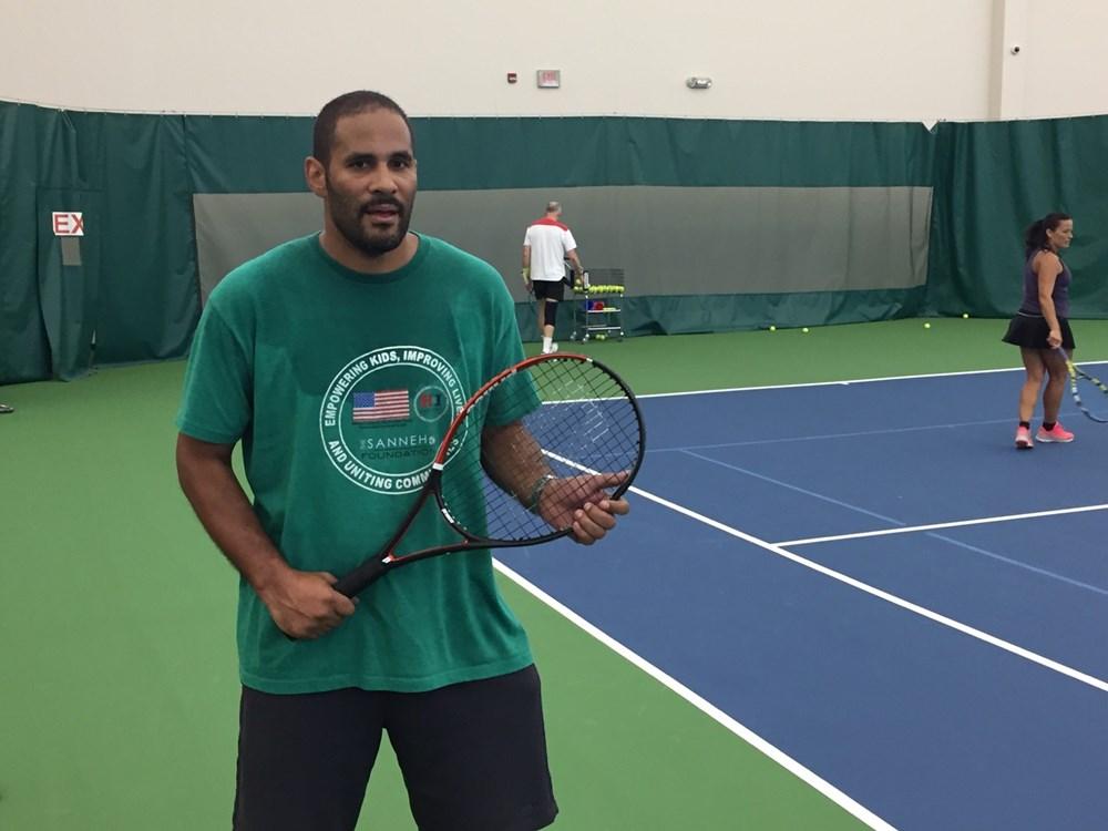 Tony_Sanneh_tennis_photo