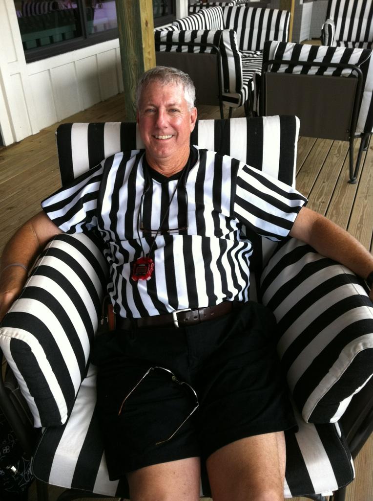 Donn_Davis_referee