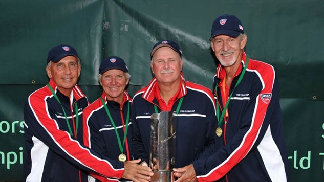 ITF-von_cramm-Fred_Robinson,_Tony_Dawson,_Tom_Smith,_Larry_Turville_with_Von_Cramm_Cup