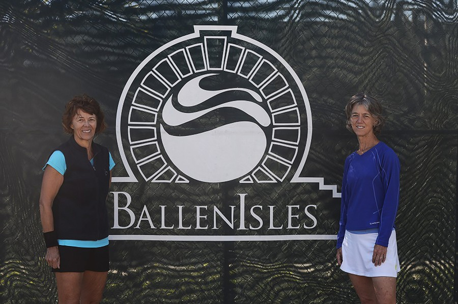 Finalist_Helga_Immerfal_on_left_and_winner_Wendy_MColskey_on_right_60_singles