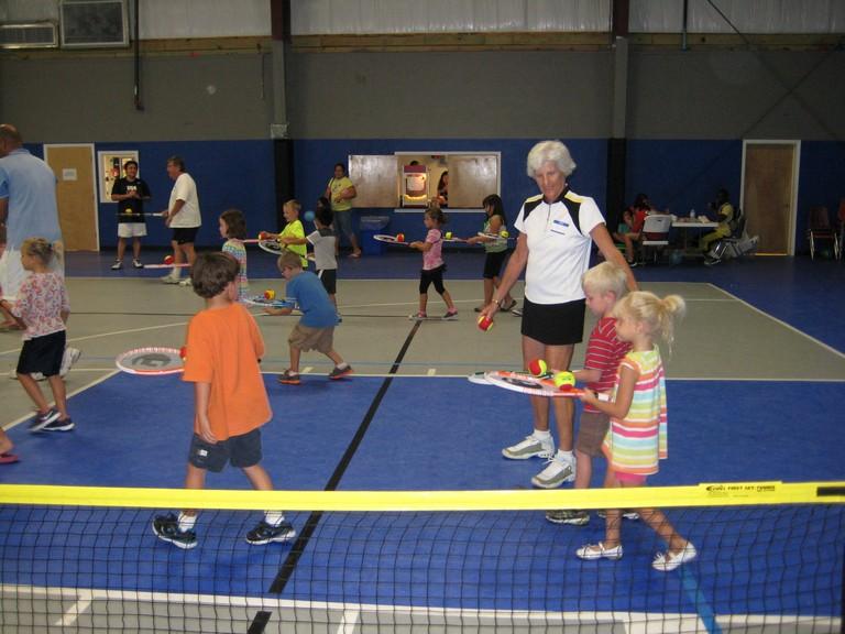 Pinellas-kids_racquets_balls