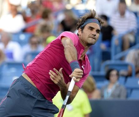 Roger Federer d. Lopez 63 64