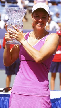 Lindsay Davenport with Trophy