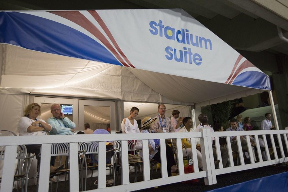 20140821_BW_Stadium_Suites_31