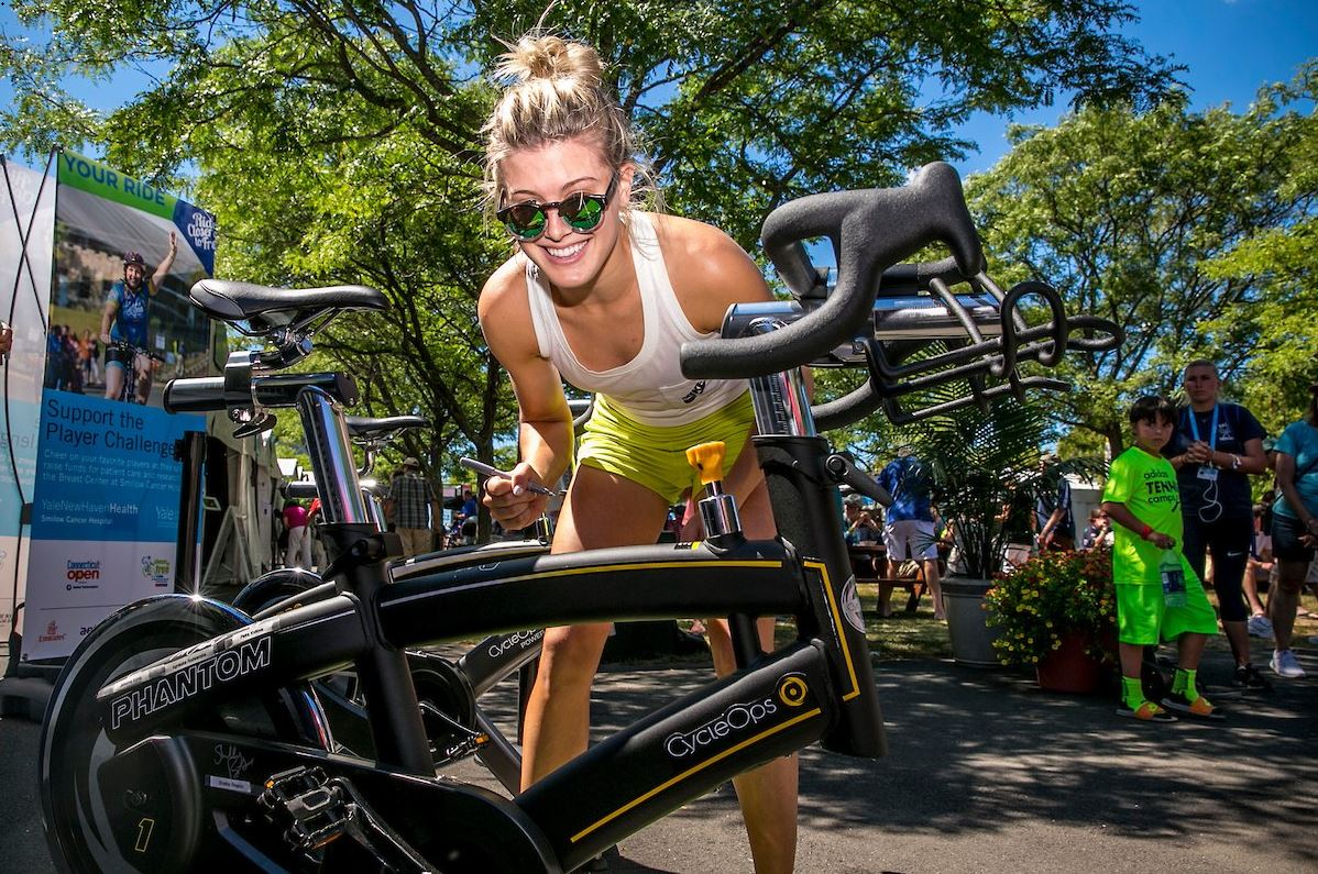 Genie_Signing_Bike