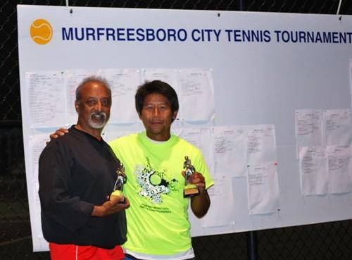 Fali_Kapadia,_Mens_Sr._Singles_Runnerup___Noi_Thepsouvan,_Champ