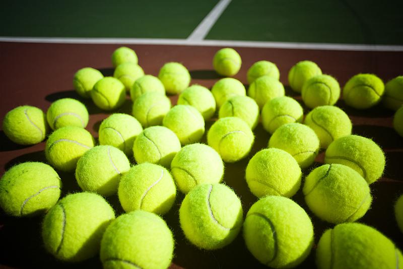 used-tennis-ballsko