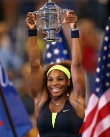 SerenaWilliams_2012USOpen_trophy_225