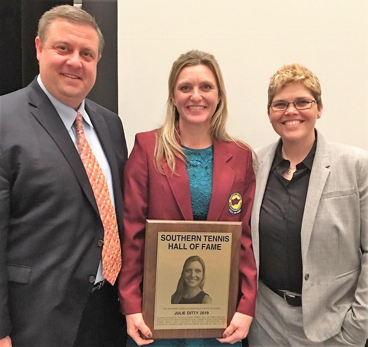 Julie_Qualls_with_Jason_Miller_USTA_Kentucky_Executive_Director_and_Rainey_Johns_USTA_kentucky_Board_President_1