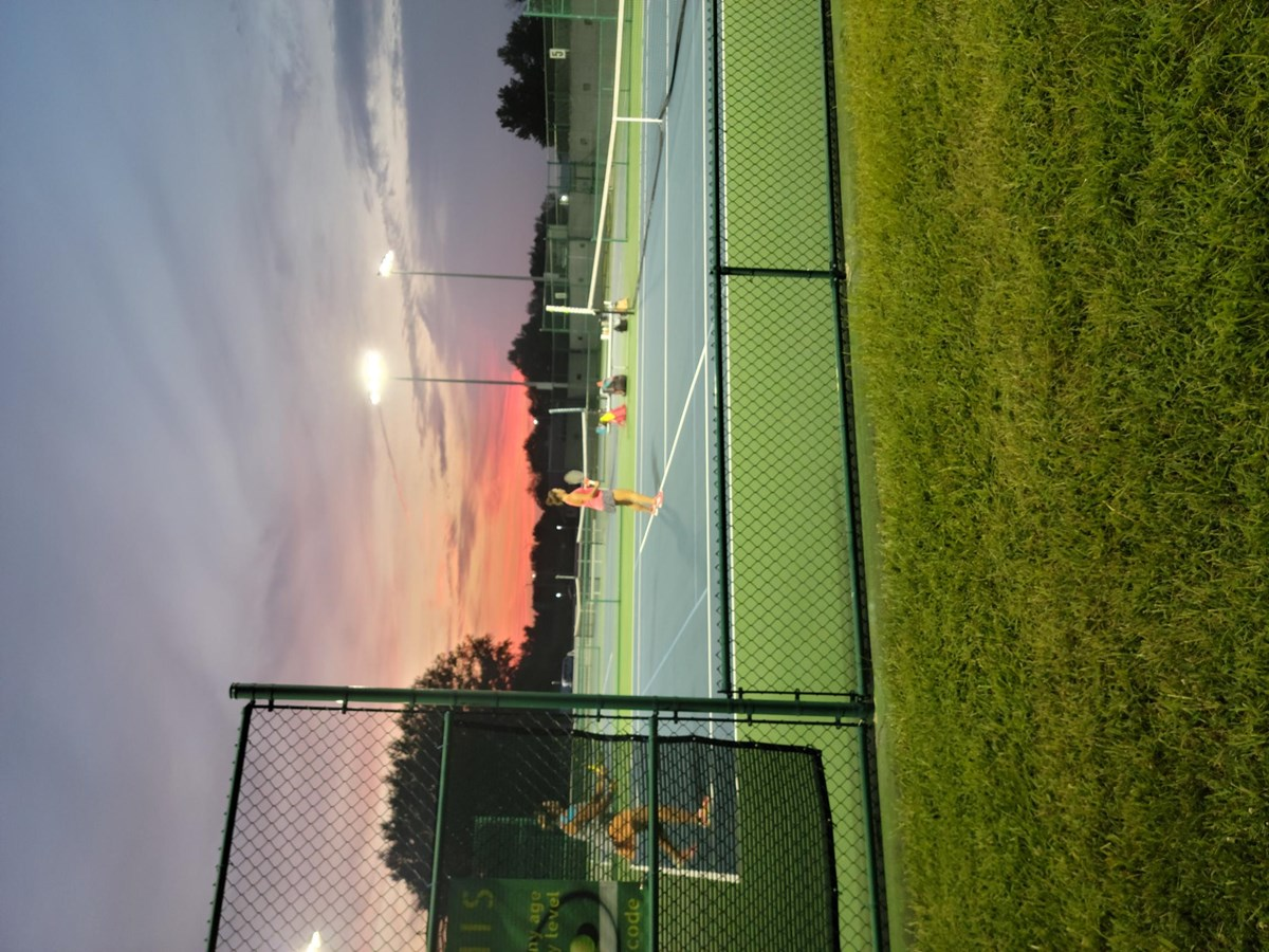 TENNIS_AT_NIGHT