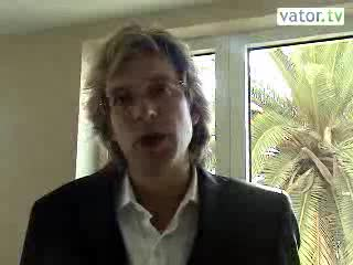 4766_adamcurry_interview.flv_lthumb