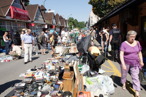 Plac targowy flea market krakow copyright travel junkies 002
