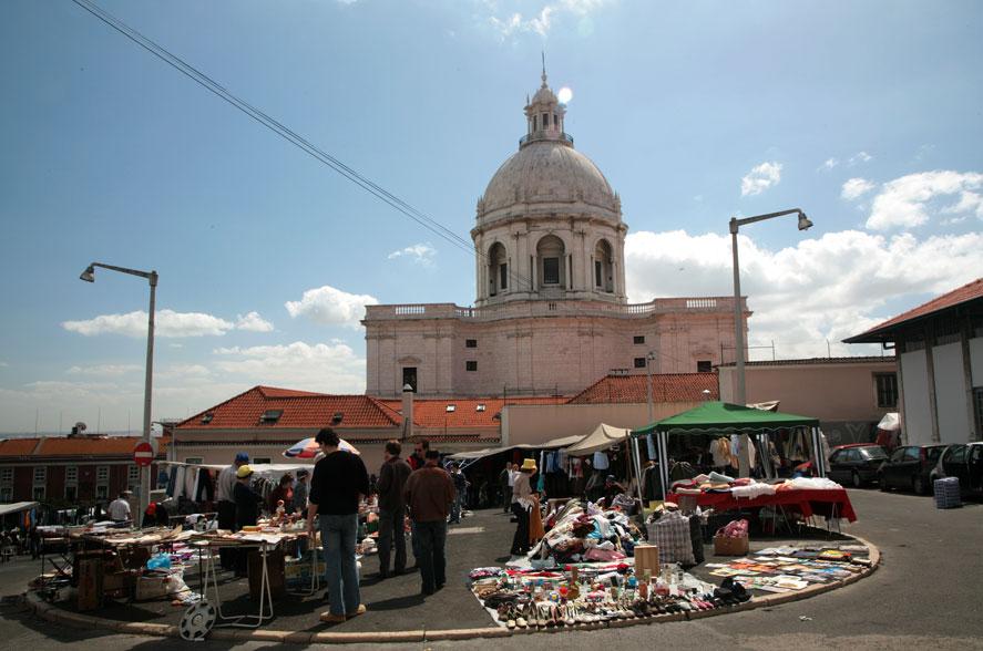 Lisbon feira ladra