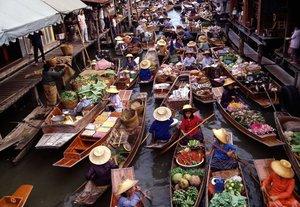 Damnoen saduak floating market ratchaburi bangkok