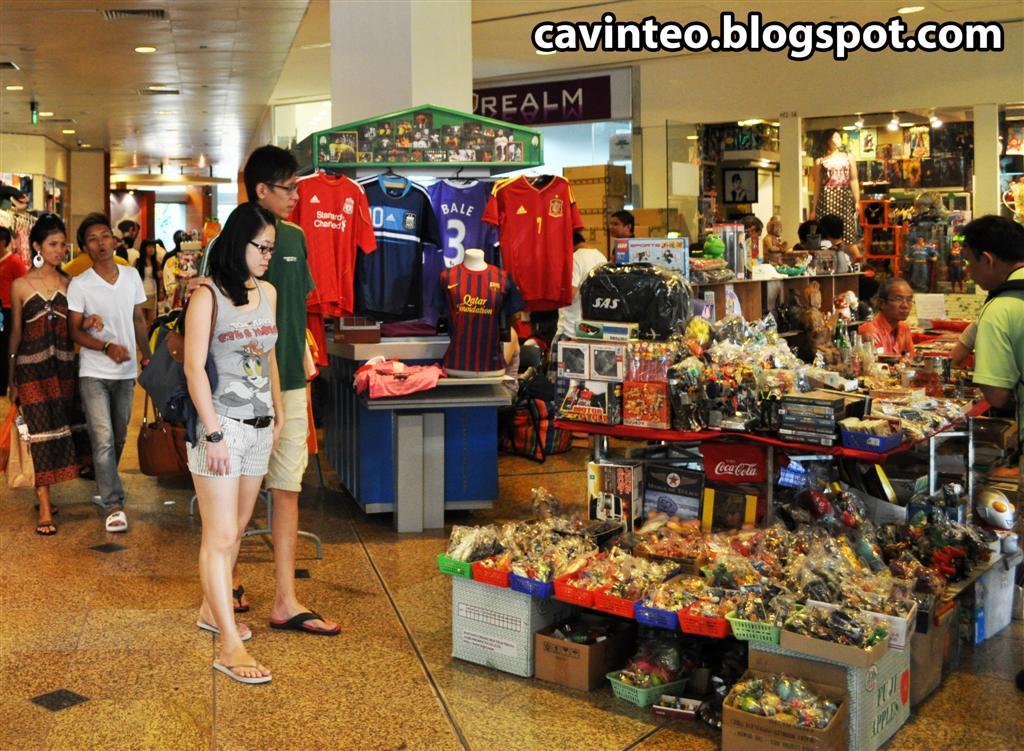 02 china square central flea market   toys  antiques  notes   coins  clothes  stamps etc etc etc %28large%29