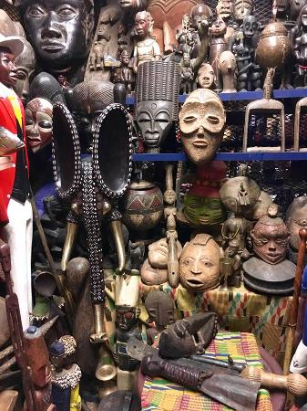 African craft market