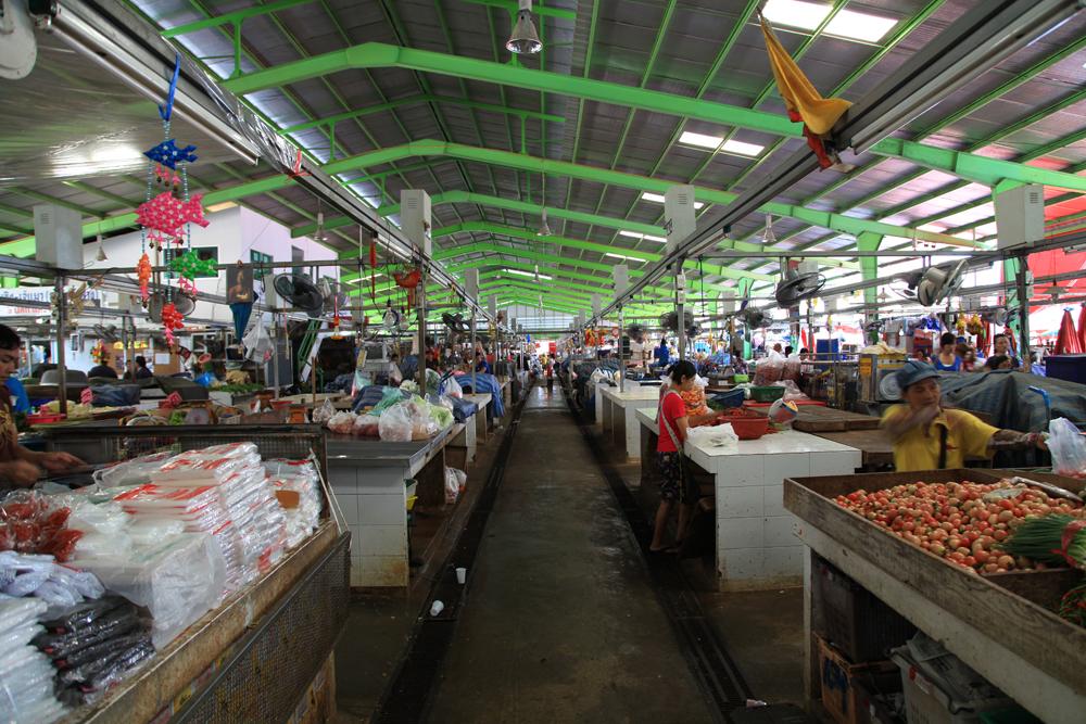 Klong toey market bangkok thailand