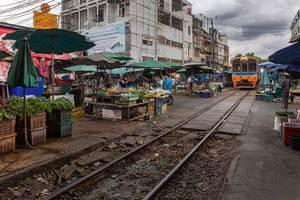 Mahachai market railway tracks bangkok thailand 2