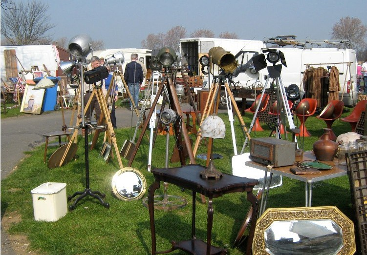 Great wetherby racecourse antiques fair