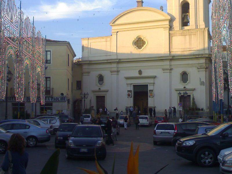 Piazza duomo flea market