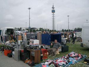 Flohmarkt m%c3%bcnchen riem shopping zwischen sch%c3%a4tzen und sperrm%c3%bcll ... %c2%a9 fashionvictress.com