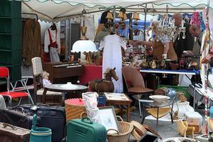 Mehrzweckplatz flohmarkt