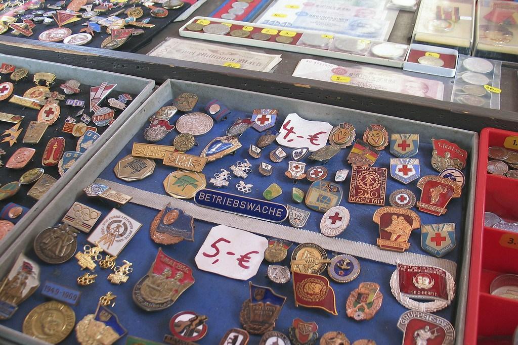 Crbassett pins and medallions
