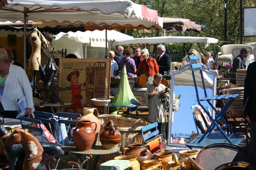Arles flea market1