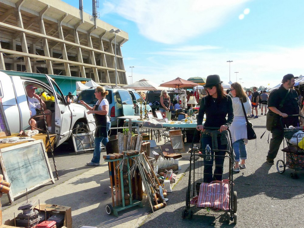 Long beach antique market 284