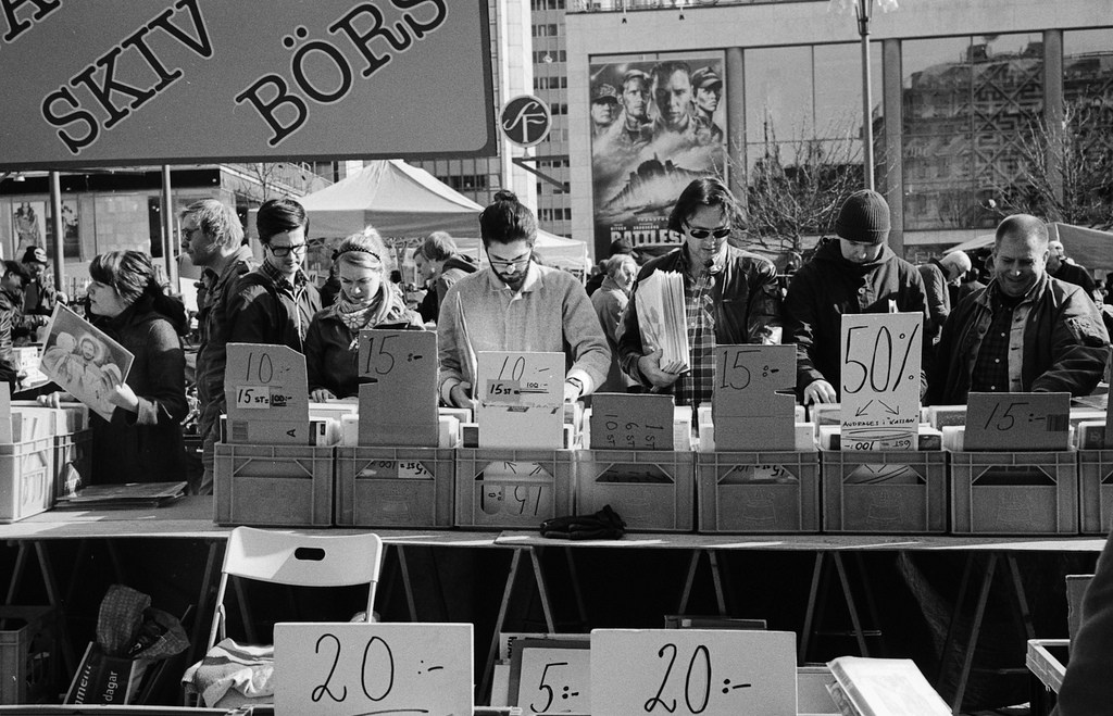 Flea market stockholm photo by tommy feldt