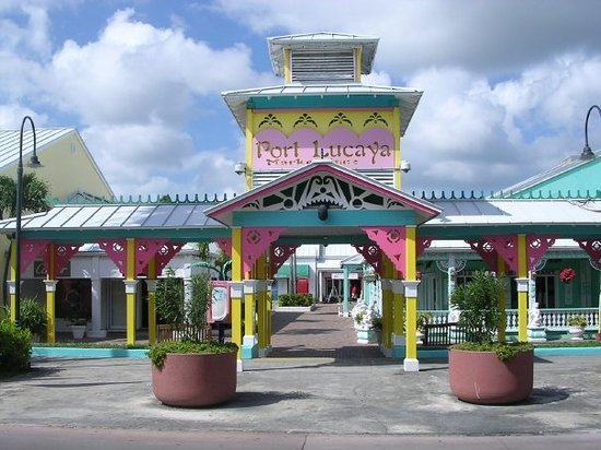 Port lacaya market