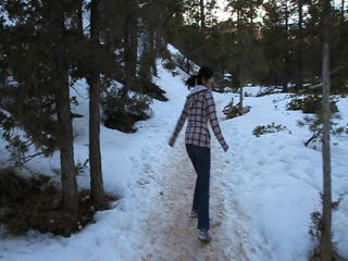 on the trail_Bryce National Park_snow