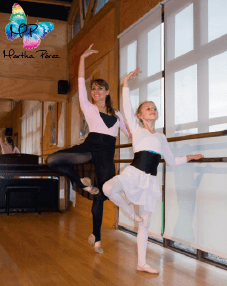 Clase GRATIS de Ballet para niñas y Ballet Fitness para adultas.