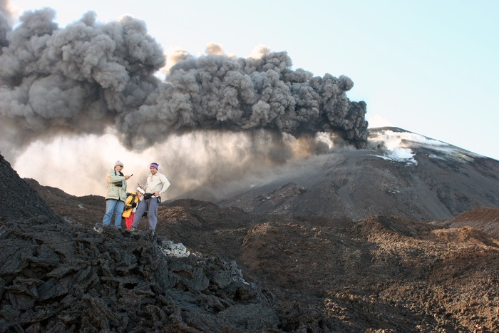 http://s3.amazonaws.com/vjs-images/blogs/How%20to%20become%20a%20Volcanologist%20/AdobeStock_2267783_29056b.jpeg