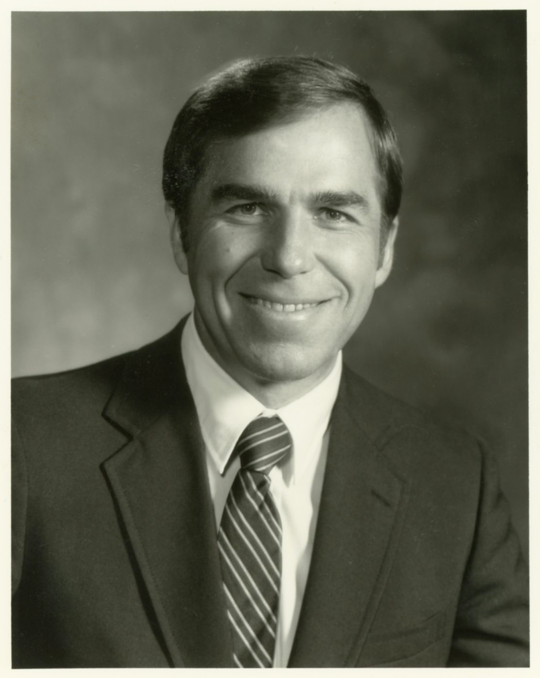 Roger C. Bone, MD, MACP, MFCP, FCCM