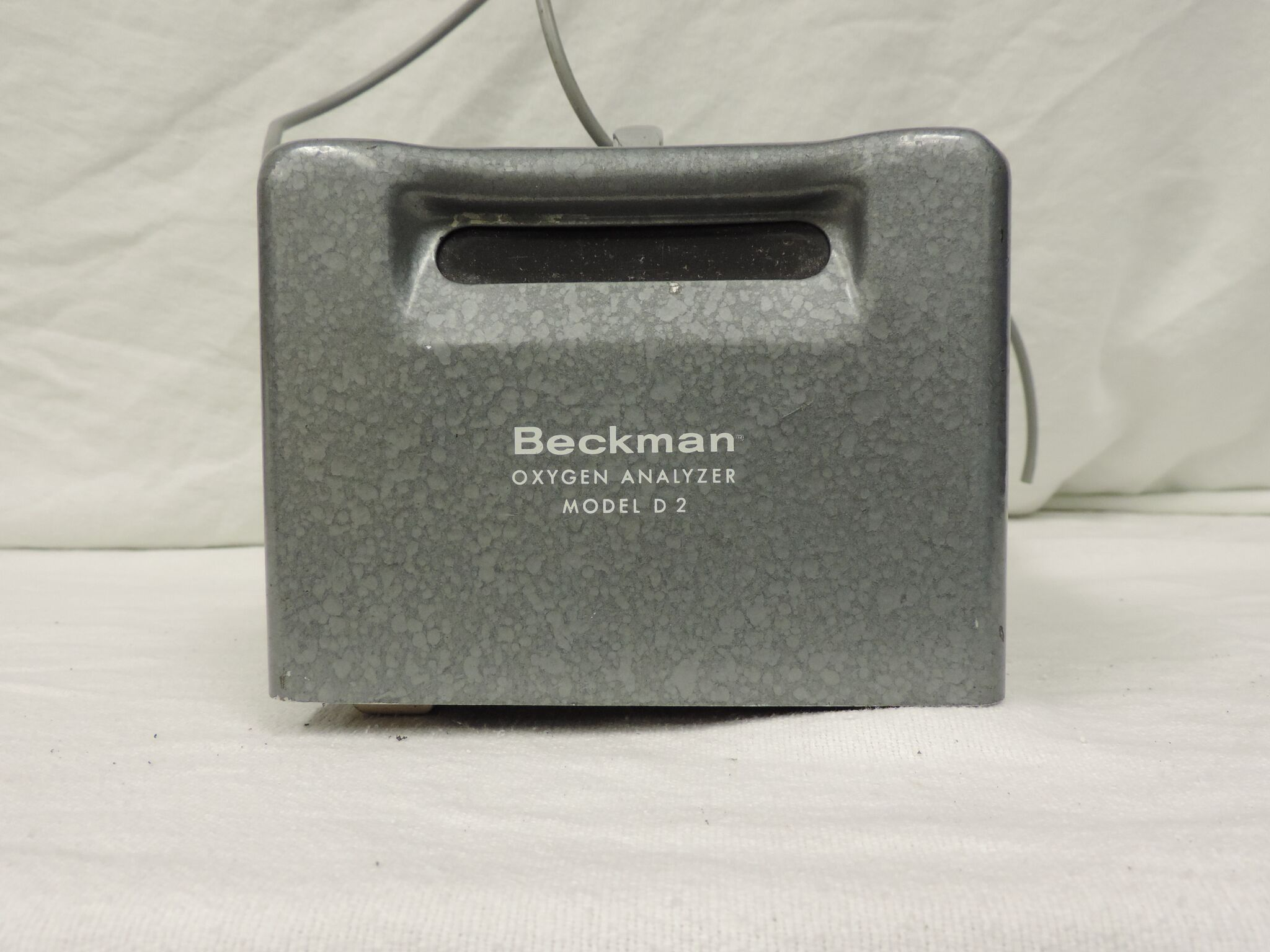 Beckman D-2 Analyzer