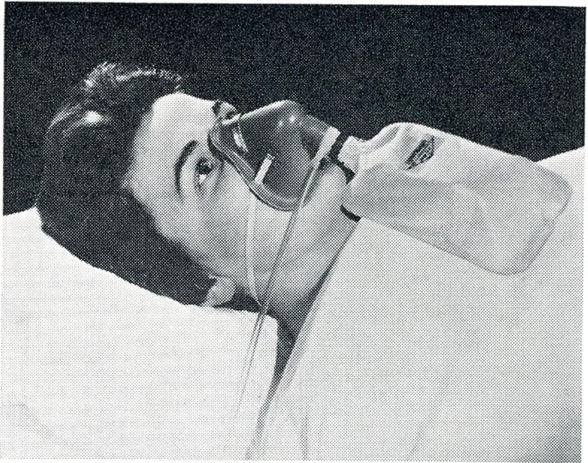 1960s Hudson Oxygen Mask