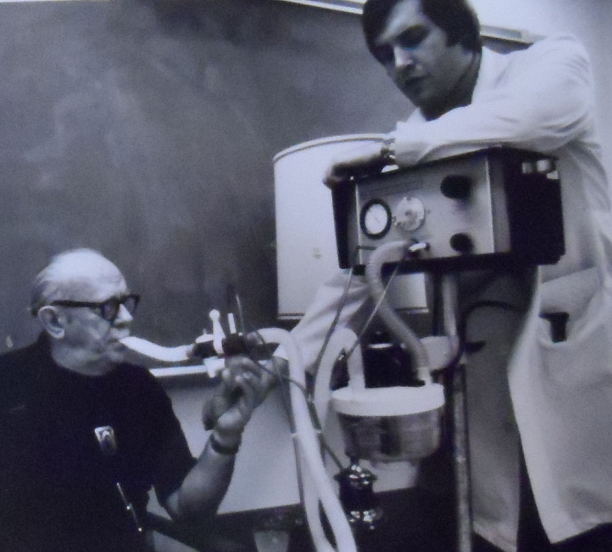1960s Bennett AP-5 with Cascade Humidifier