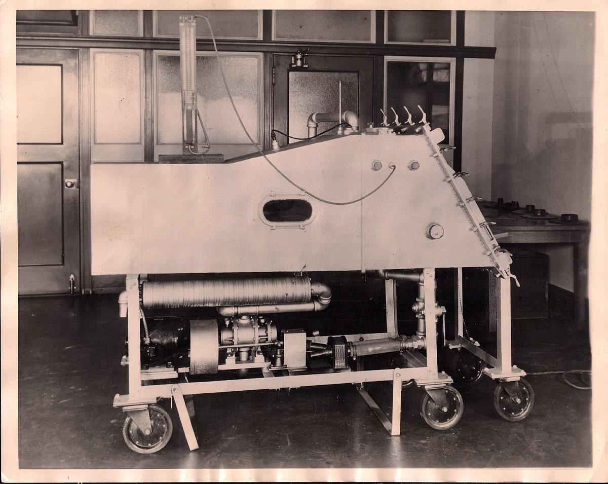 1930 Drinker Respirator