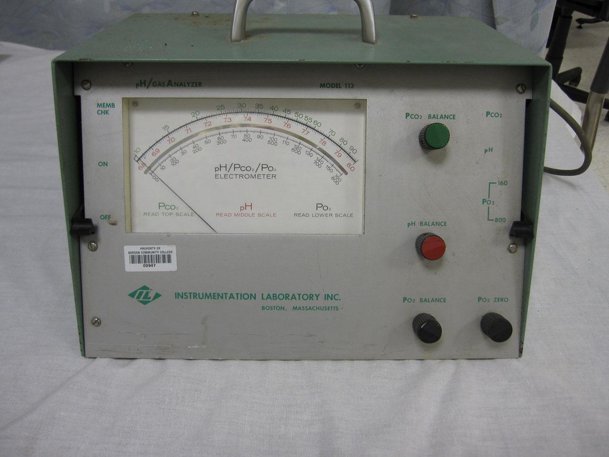 1963 IL 113 pH/PCO2/PO2 Electrometer
