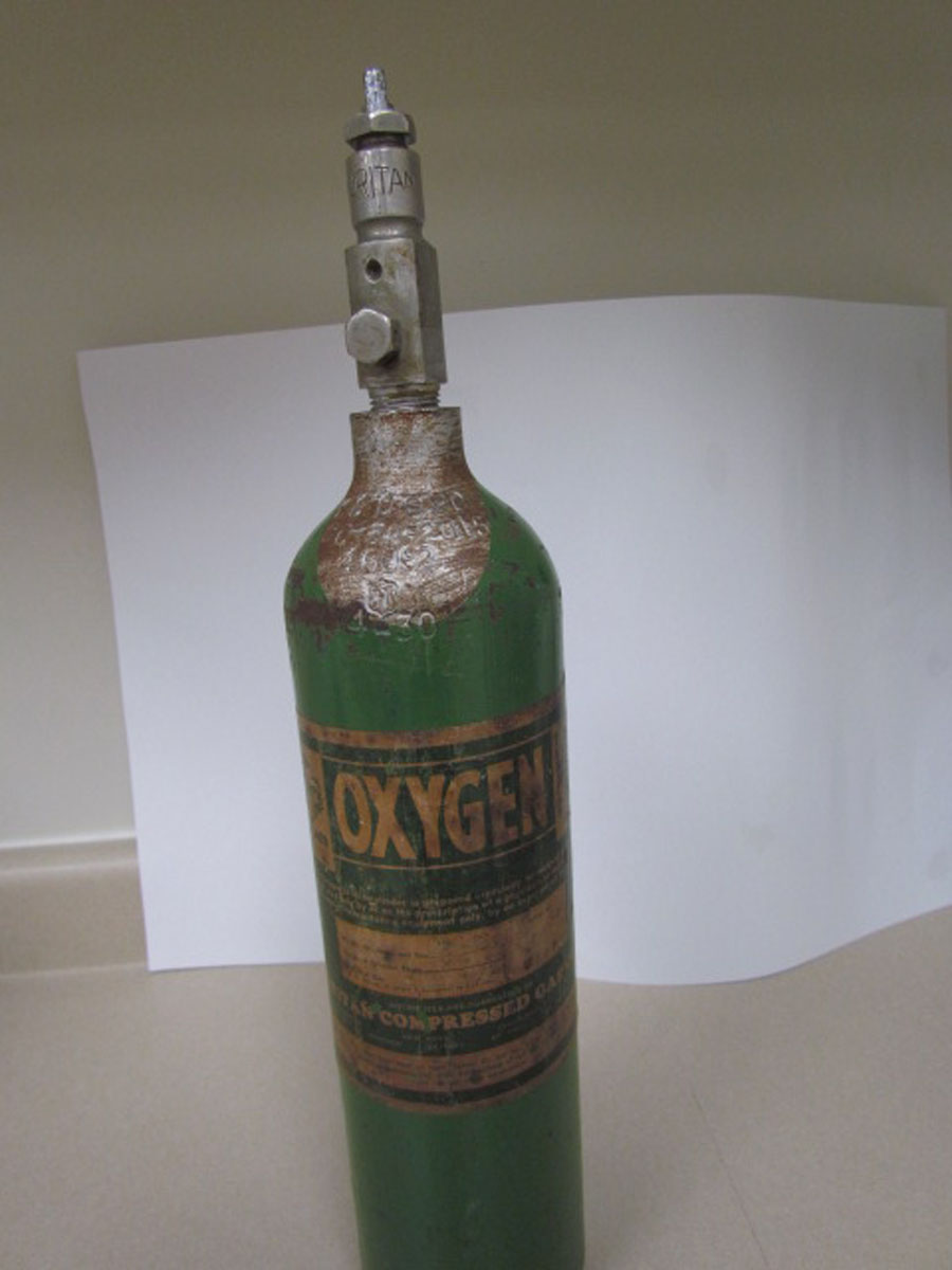 1940s Vintage Oxygen Cylinder