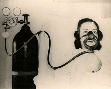 1940s Oxygen Diluter Attached to Cylinder Regulator