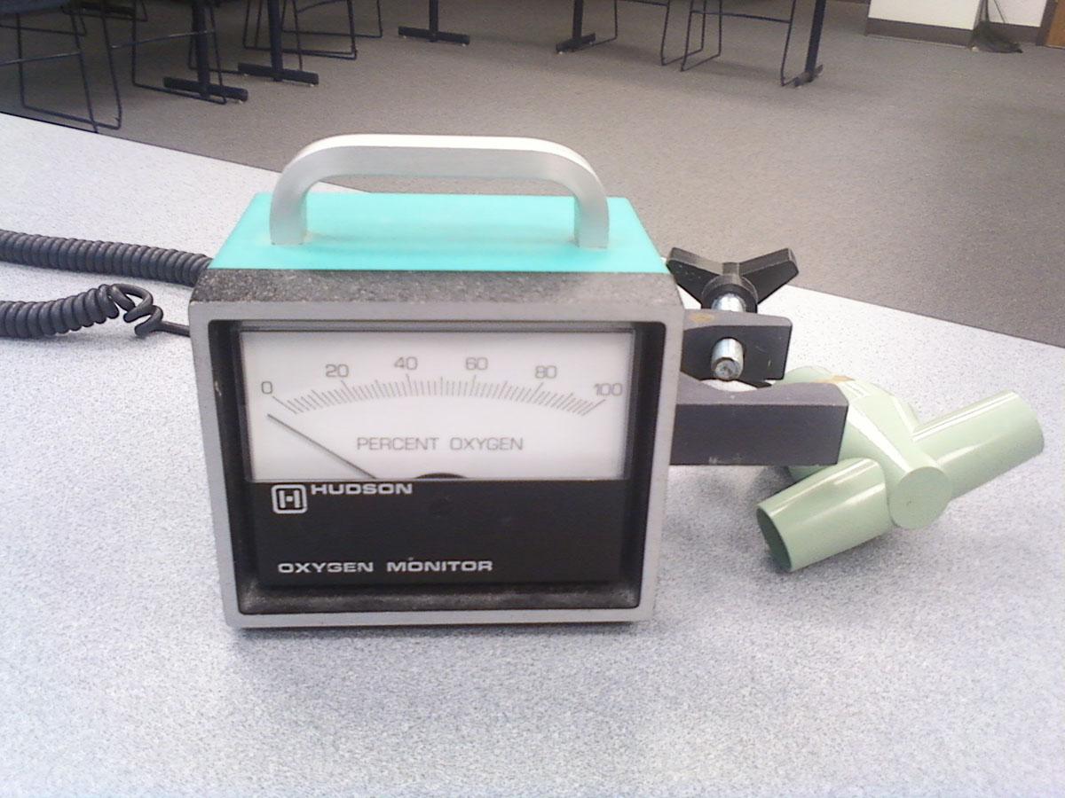 1990s Hudson Oxygen Monitor