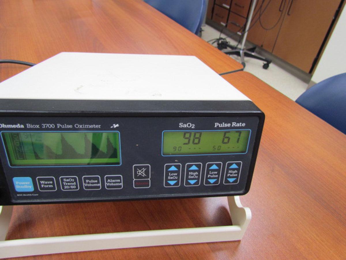 1990s Ohmeda Biox 3700 Pulse Oximeter